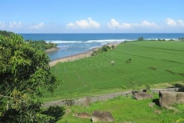 Land on a Mini Cliff in Medewi, Superb Investment