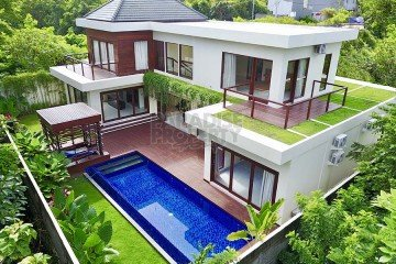 New freehold luxury villa in the Bukit area!