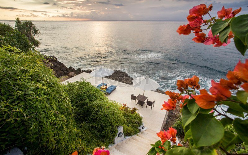 Premium Clifftop Resort on Nusa Lembongan