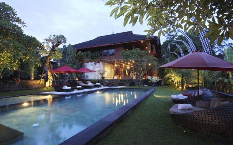 22 ARE – 5 BEDROOMS – WOW FACTOR –  FREEHOLD – BATU BOLONG