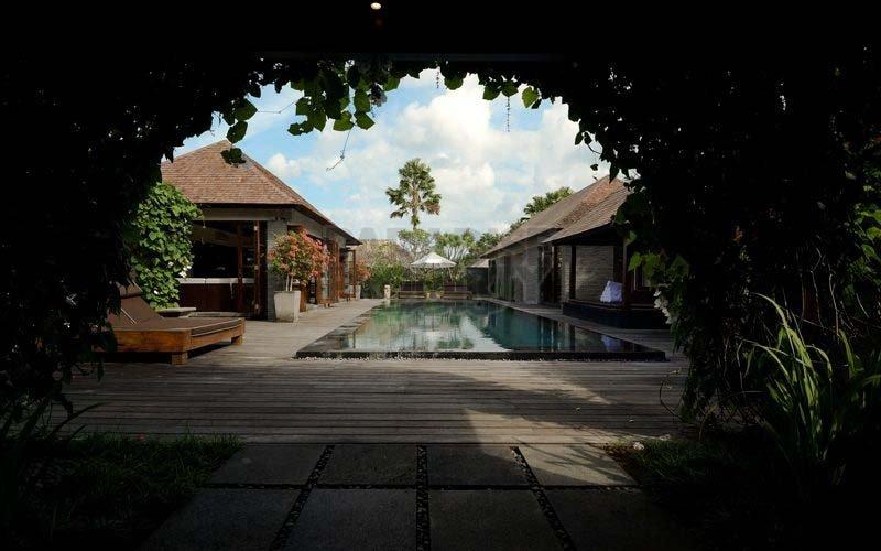 Luxurious 4 Bedroom Villa in Petitenget