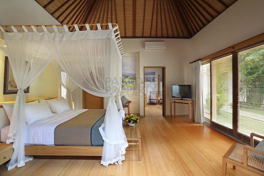 Tropical 3 bedroom villa for sale in seminyak