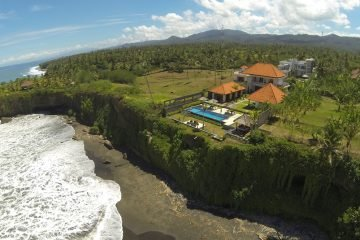 7 Bedroom Absolute Beachfront Freehold Villa in Balian