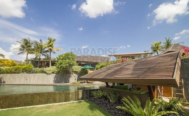 Unique Luxury 5 Bedroom Villa in Canggu Pererenan with Greenbelt Views – Freehold