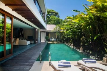Four Bed Room Villa Step Away From the Berawa Beach