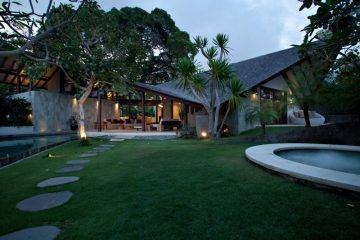 A Unique and Stylish 3 Bedroom Villa in the Heart of Seminyak / Long Term Lease