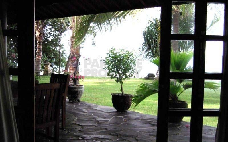 3 Bedroom Beachfront Villas in Tejakula