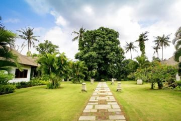 6633m2 Freehold Land With Villa In Seminyak