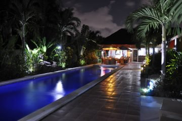 PRICE REDUCTION ~ MUST SEE! – Villa Complex of 10 bedrooms! Turnkey Villa business perfect for investors !