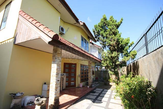 Freehold Villa 3 Bedroom in a Quiet Estate