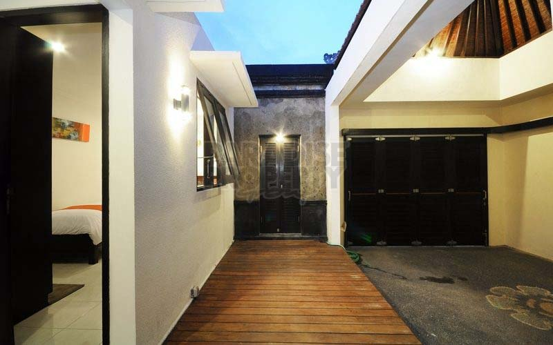 Freehold/Hak Milik 3 bedrooms Villa With Swimming Pool in Sanur