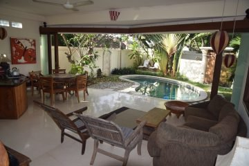 Stylish 2 Bedroom Freehold Villa in Petitenget