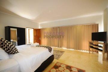 Property Hak Milik dengan 4 Kamar Tidur di Petitenget