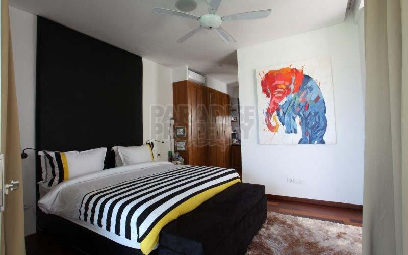 Beautiful 5 Bedroom Villa Near the Beach!