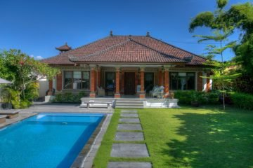 Beautiful House in Sanur on 895 sqm Hak Milik Land