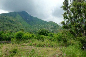 Amed – Beautiful Beachfront Land  – Freehold 38 Are