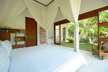 Outstanding Luxury Villa With 5 Bedrooms For Sale In Canggu