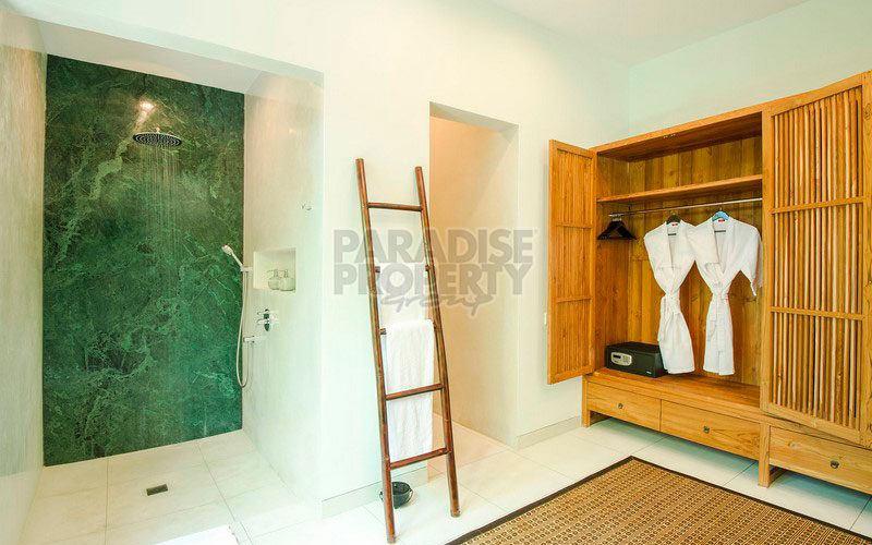 Price Reduced! 5 Bedroom Luxury Villa