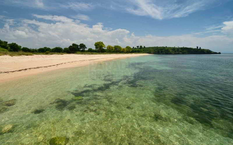 11 Hectare Freehold Land in a Private Bay – Lombok