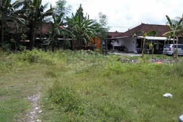 Highly Desirable 1,900m2 (19 are) Leasehold Land in Batu Belig