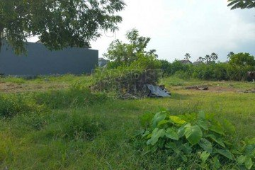 1500m2 Freehold Land in Bumbak – Umalas