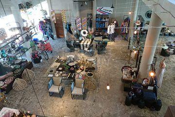 Shop of 280 sqm with Excellent Exposure in Sunset Road and Jl Raya Seminyak, close to Jl Kerobokan, minimum 5 year lease