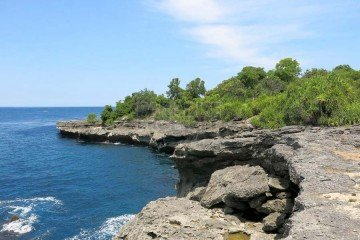 Spectacular 11330m2 Plot Of Clifftop Vacant Land On Nusa Ceningan.