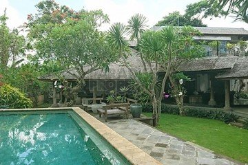Stylish 4 Bedroom Freehold Villa with Stunning Rice Field Views
