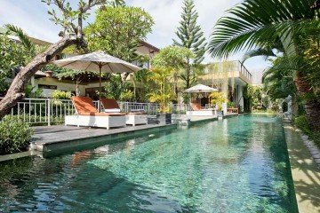 Stunning 5 Bedroom Freehold/Hak Milik Villa with Pondok Wisata in Kerobokan