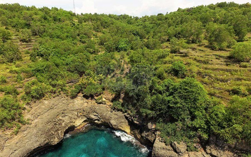 16380m2 Of Magnificent Cliff Top Vacant Land With Stunning Views Of The Ocean And To Nusa Penida(Can Be Leased In 2000m2 or 3000m2 Sections).