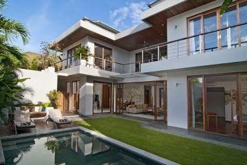 Elegant 3 Bedroom Villa for sale in Batu Belig Seminyak (25 years Lease)