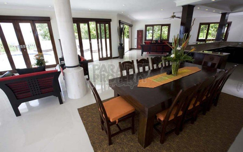 Luxury Two in One Freehold Villas in the Bukit with Total 12 Bedrooms