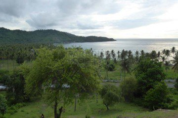 Development Opportunity 100m from the Beach – Panoramic Sea Views!