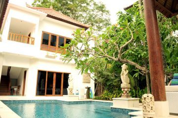 Beautiful connected 2 + 3 Bedroom Villa's for Sale at walking distance to Seminyak Beach
