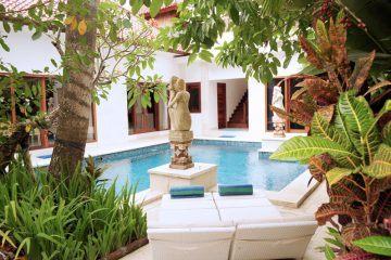 Dijual Villa Indah 3 Kamar Jarak Berjalan Kaki ke Pantai Seminyak