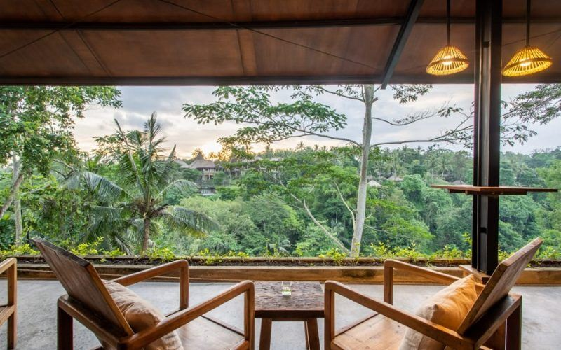 AMAZING HOTEL WITH 20 VILLAS AND ROOMS – 6260 sqm – Best Views in Town – Leasehold
