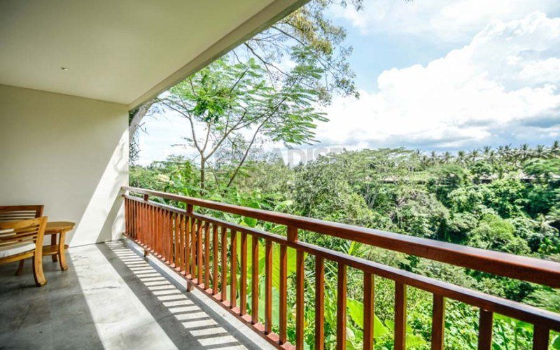 Amazing 18 Bedrooms Hotel  on 5800 sqm  – Best Views in Town