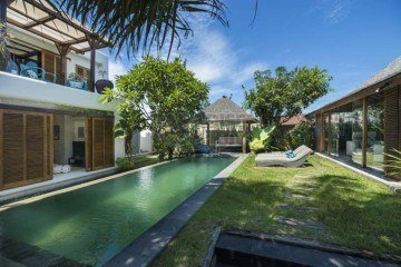 Javanese – Moroccan High Quality 4 Bedroom Villa For Yearly Rental