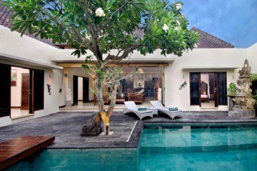 Reduced in Price! Fabulous 5 bedroom villa for sale in Umalas