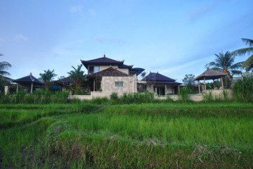 Uniquely Designed Villa Available For Sale With Breathtaking Rice Field Views In Klungkung
