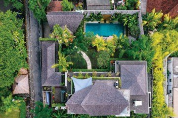 4 Bedroom LUXURY VILLA For Sale in the Center of Seminyak