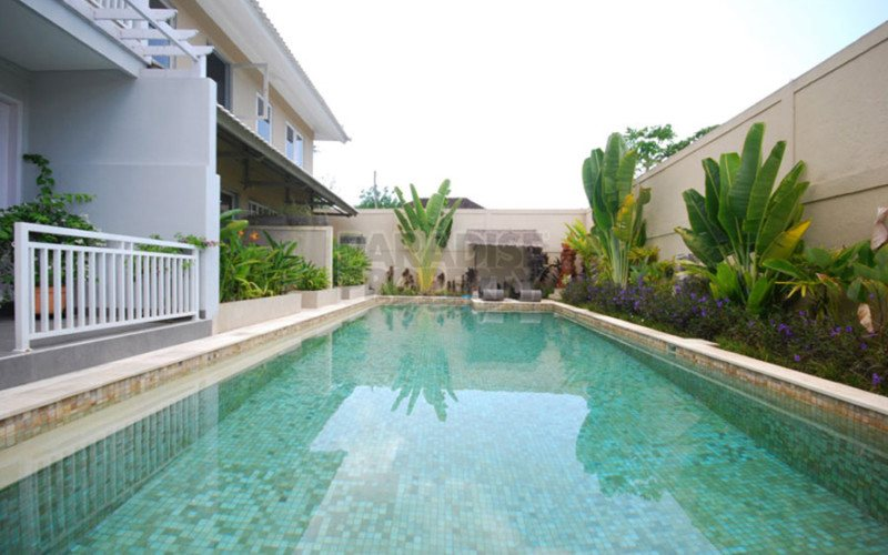 Leasehold Townhouse Close to Mertasari Beach