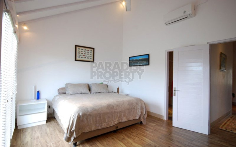 4 Bedrooms Villa Sanur, Leasehold 49 years