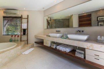 Dijual Villa Mewah di Lokasi Utama Seminyak