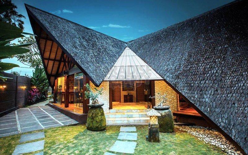 Uniquely Designed 4 Bedroom Villa in Seminyak