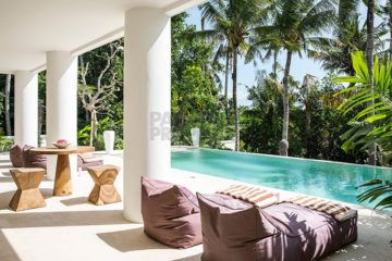 Beautiful Six Bedroom Villa for Sale in Pererenan
