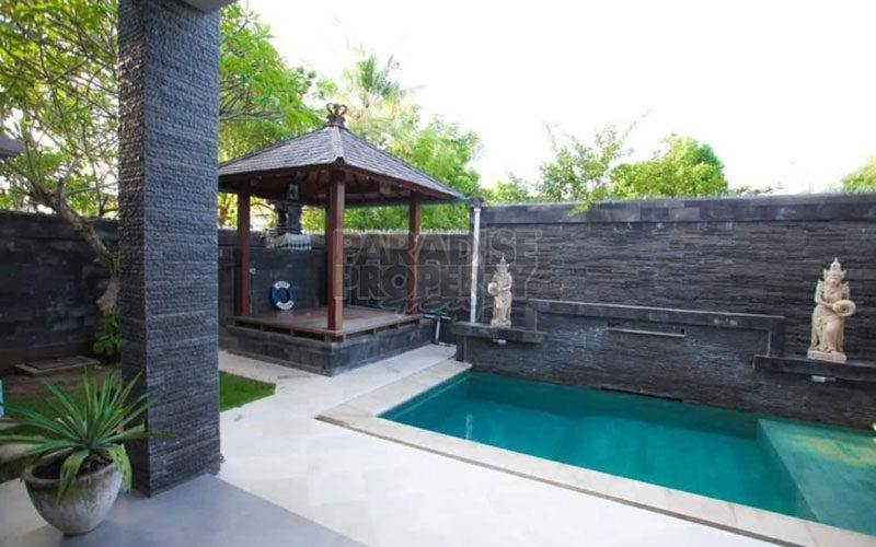 Comfortable 6 Bedroom Villa for Sale in Jimbaran