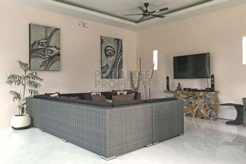 Elegant 3 Bedroom Villa on Spacious Land
