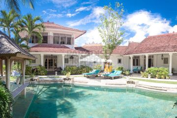 Colonial 5 bedroom Villa in Prime location