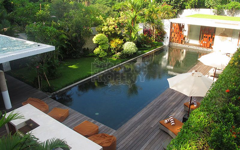 Modern, Luxurious 5 Bedroom Riverside Villa on 1500m2 in Nyanyi